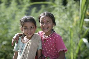 グルン族の姉妹の写真素材 [FYI03383447]