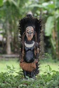 セピック川 タンブナム村の手作り民芸品の写真素材 [FYI03383466]