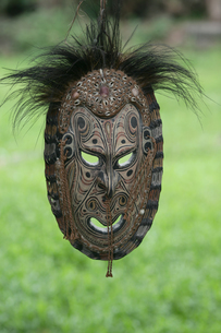 セピック川 タンブナム村の手作り民芸品の写真素材 [FYI03383467]