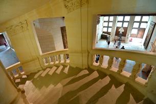 シャンボール城二重らせん階段の写真素材 [FYI03383881]