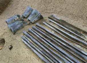 荒神谷遺跡の銅剣と銅鐸の写真素材 [FYI03383883]