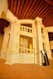 シャンボール城二重らせん階段の写真素材 [FYI03383888]