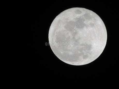 月(右上)の写真素材 [FYI03385668]