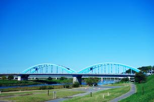 多摩川の丸子橋の写真素材 [FYI03387351]