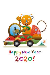 ネズミの形をした自動車を運転するロボット。年賀状のイラスト素材 [FYI03387774]