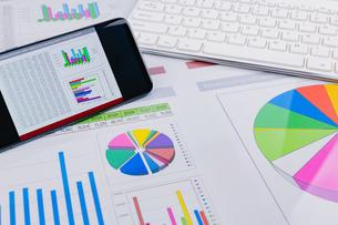 ビジネスイメージ グラフの写真素材 [FYI03388164]