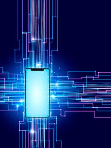 スマホを集積回路としたデータのやり取りのイラスト素材 [FYI03388282]