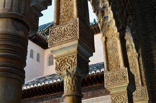 アルハンブラ宮殿の柱の写真素材 [FYI03388687]