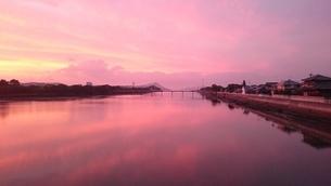 紫の空の写真素材 [FYI03390155]