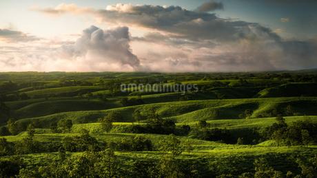 押戸石の丘 日本 熊本県 南小国町の写真素材 [FYI03390344]