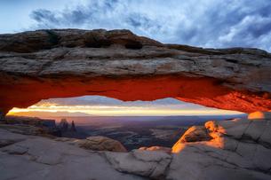 Mesa Arch アメリカの写真素材 [FYI03390370]