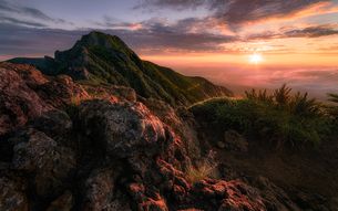 赤岳 (八ヶ岳山系) 日本 山梨県 北杜市の写真素材 [FYI03390378]