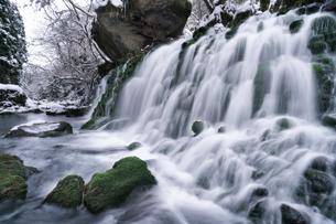 元滝伏流水 日本 秋田県 にかほ市の写真素材 [FYI03390406]