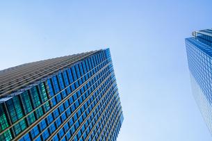東京丸の内のビジネス街・オフィスビルのイメージの写真素材 [FYI03390655]