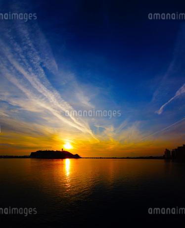 江ノ島海岸の夕暮れの写真素材 [FYI03390817]