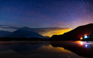 精進湖 の写真素材 [FYI03390956]