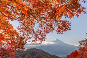 御坂峠天下茶や前 日本 山梨県 富士河口湖町の写真素材 [FYI03390977]
