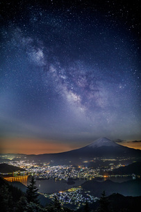 新道峠 日本 山梨県 富士河口湖町の写真素材 [FYI03391015]