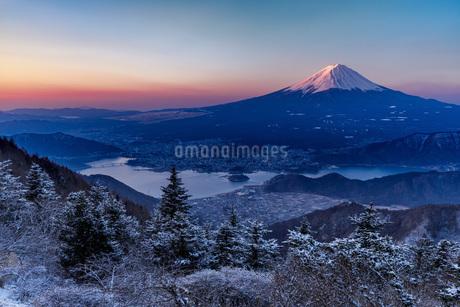 新道峠 日本 山梨県 富士河口湖町の写真素材 [FYI03391019]