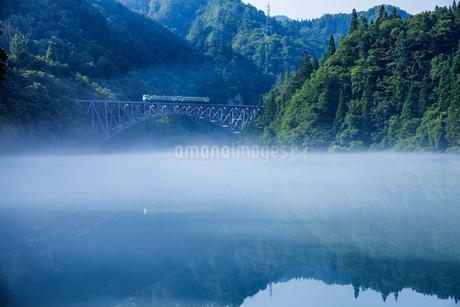 只見川第一橋梁 の写真素材 [FYI03391046]
