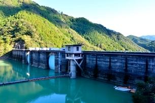 二川湖ダムの写真素材 [FYI03391418]
