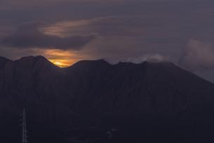 桜島 鹿児島大学病院からの眺め 日本 鹿児島県 鹿児島市の写真素材 [FYI03391571]