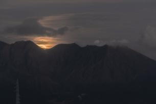 桜島 鹿児島大学病院からの眺め  日本 鹿児島県 鹿児島市の写真素材 [FYI03391572]