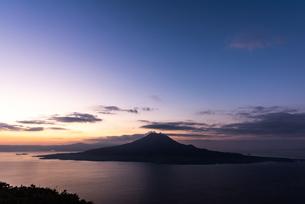 桜島 錦江湾の写真素材 [FYI03391589]
