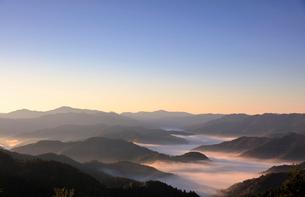 小入峠と雲海 日本 滋賀県 高島市 朽木の写真素材 [FYI03391859]