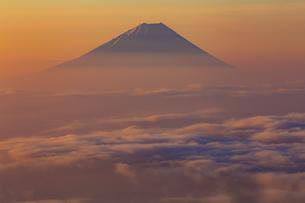 鳳凰三山 日本 山梨県 南アルプス市の写真素材 [FYI03392099]