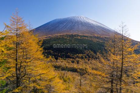 浅間山 日本 長野県 軽井沢町の写真素材 [FYI03392114]