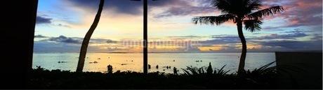 グアムの夕日の写真素材 [FYI03392363]