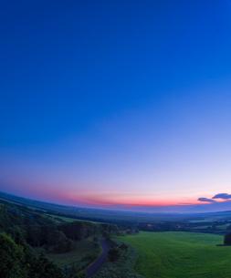 北海道 自然 風景 サロベツ原野の夕暮れの写真素材 [FYI03392976]