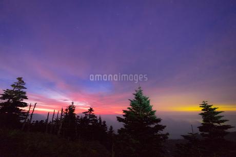 渋峠国道292号線標高2147メートルからの展望 日本 群馬県 嬬恋村の写真素材 [FYI03393090]