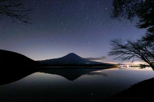田貫湖 日本 静岡県 富士宮市の写真素材 [FYI03393129]