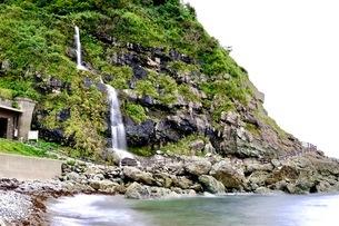 垂水の滝 (たるみのたき) 日本 石川県 珠洲市の写真素材 [FYI03393330]