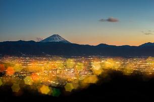千代田湖白山 日本 山梨県 甲府市の写真素材 [FYI03393518]