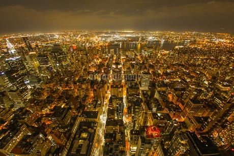 エンパイヤステートビルからの夜景の写真素材 [FYI03394586]
