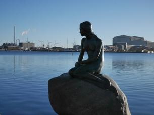 人魚姫の像の写真素材 [FYI03395041]
