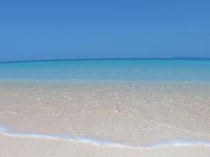 白い砂浜の写真素材 [FYI03395169]