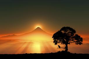 富士山の日の出とネズミのシルエットのイラスト素材 [FYI03395487]