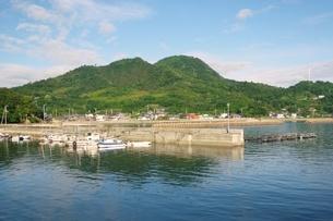 瀬戸内海の小さな港の写真素材 [FYI03396724]
