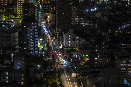 夜の街の写真素材 [FYI03397054]