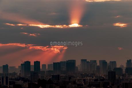 都市の夕暮れの写真素材 [FYI03397055]