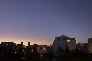 都会の夕暮れの写真素材 [FYI03397117]