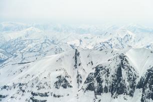 守門岳 雪庇  mt.sumondake backcountry  japan  の写真素材 [FYI03398489]