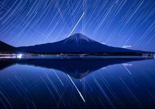 田貫湖から見る富士山 日本 長野県 飯田市の写真素材 [FYI03398741]