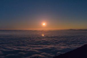 富士山新五合目からの眺め 日本 静岡県 富士宮市の写真素材 [FYI03398775]