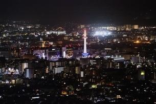京都市街夜景の写真素材 [FYI03398821]
