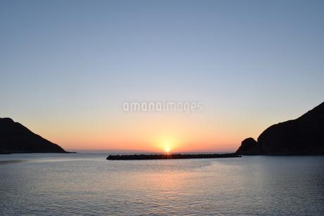 日の出の写真素材 [FYI03399212]
